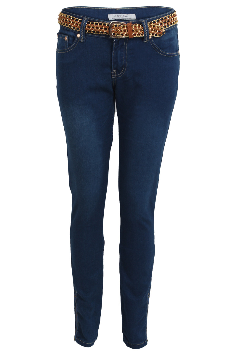 One Model Tried On 10 Different Pairs Of Size 16 Jeans And This Is What They Looked Like Because you can be a size 10 in one brand and a 16 in another. The world doesn't really make sense, after all.