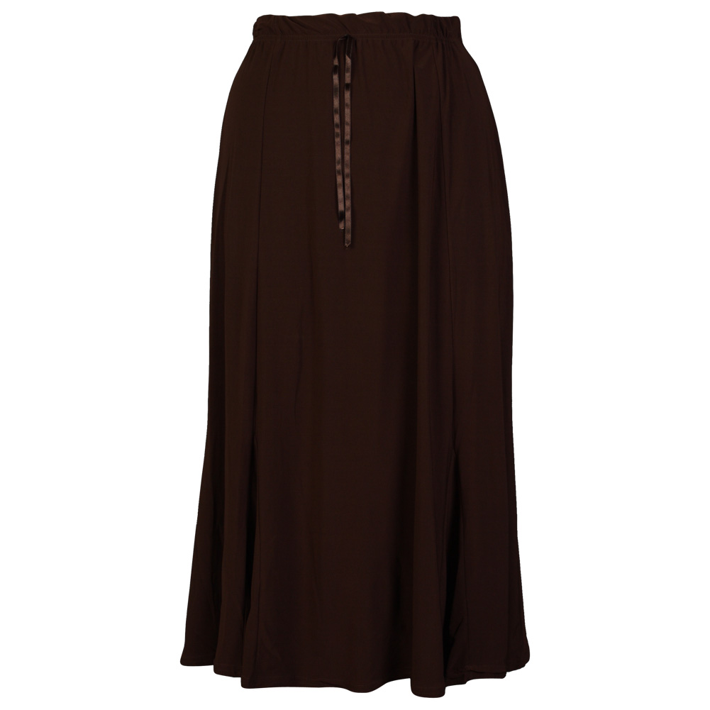Women's Plus Size Skirts: Sizes Because as much as we love pants there's almost nothing more undeniably femme than a skirt (except of course a dress). Curve-skimming plus size skirts can go from a pencil skirt that looks sharp at work to the maxi you live in all weekend.