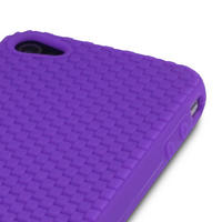 PURPLE SILICONE SKIN FOR IPHONE 4 / 4G W/6 PC LCD GUARD