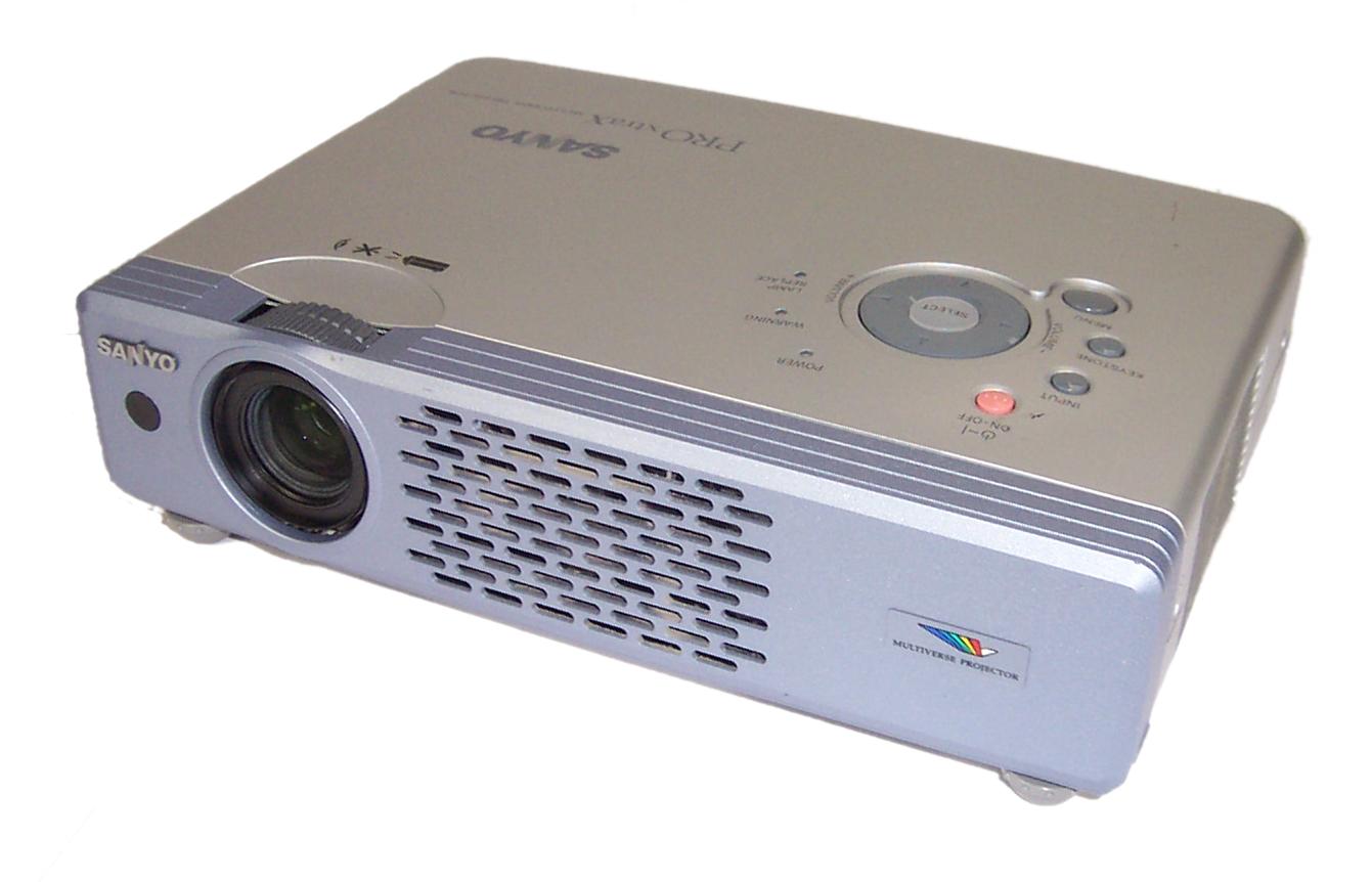 Sanyo plc xu41 ultra portable lcd digital multimedia for Best portable digital projector