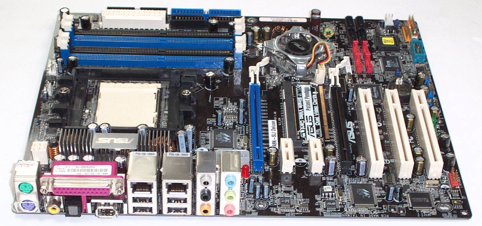Asus a8n32-sli deluxe — a motherboard on the top gaming chipset.