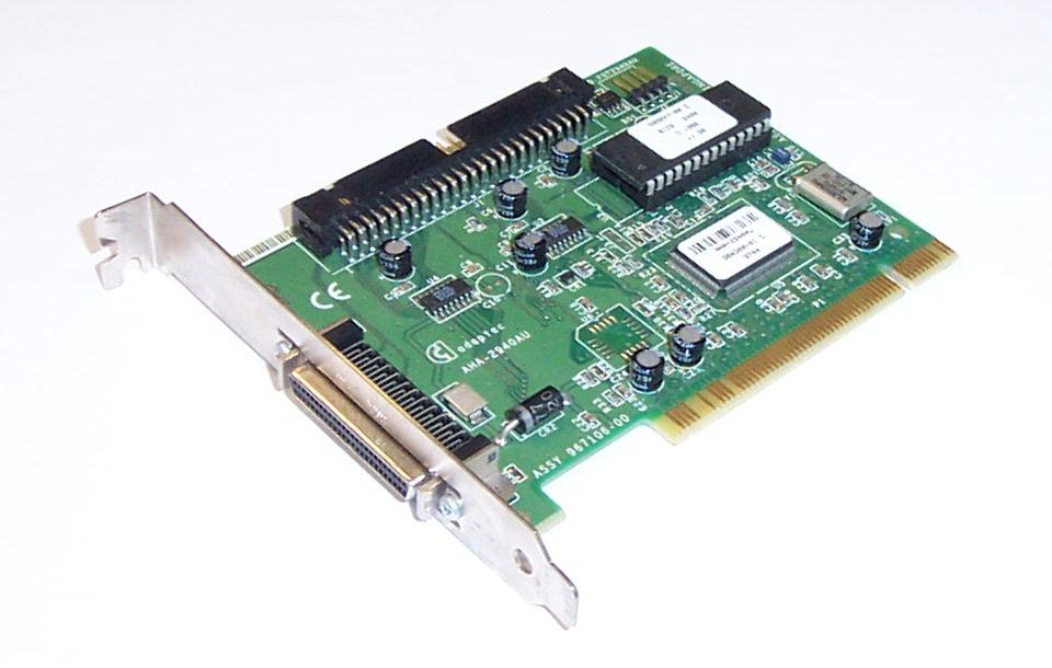 Adaptec AIC−7550 PCI SCSI Controller