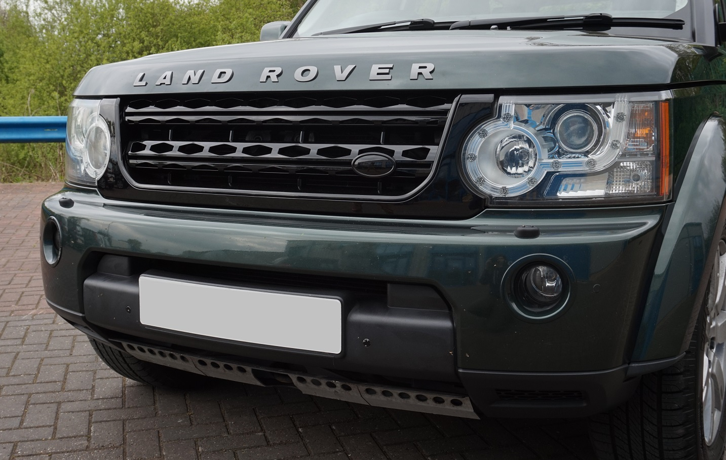 Gloss Black Disco 4 Facelift Style Front Grille For Land
