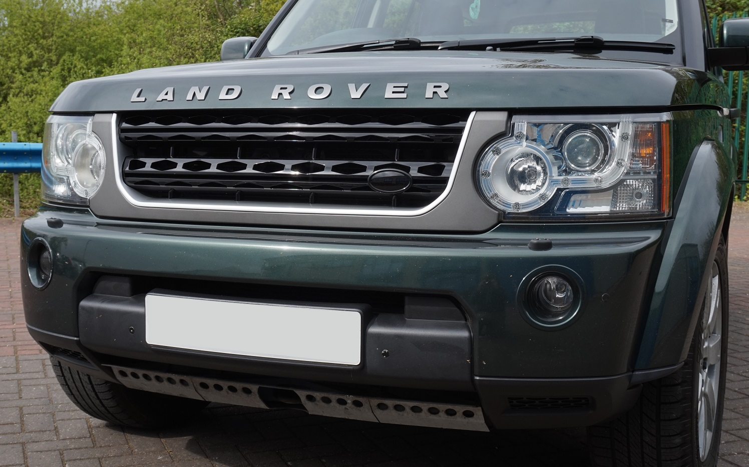 Grey Silver Black Disco 4 Facelift Style Front Grille For