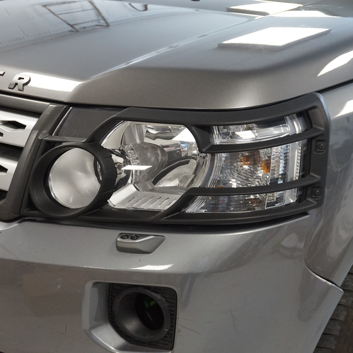 Genuine Front Light Guards Black Land Rover Freelander 2