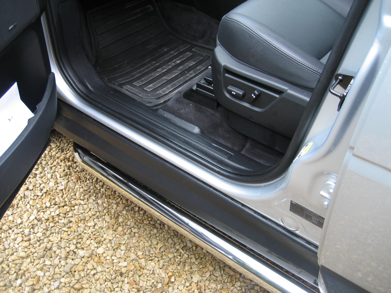 Deployed Side Steps For Range Rover Genuine Accessory: Genuine Lsnd Rover FReelander 2 Stainless Steel Side Bars