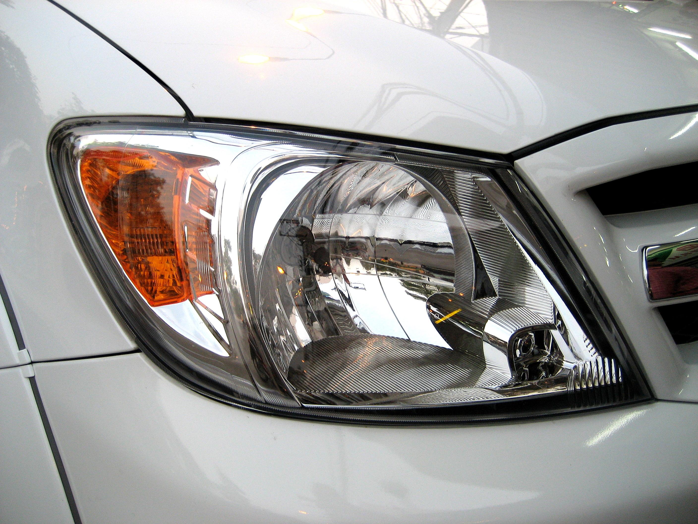 Headlight Headlamp Toyota Hilux Mk6 Vigo 05+ RH O/S NEW