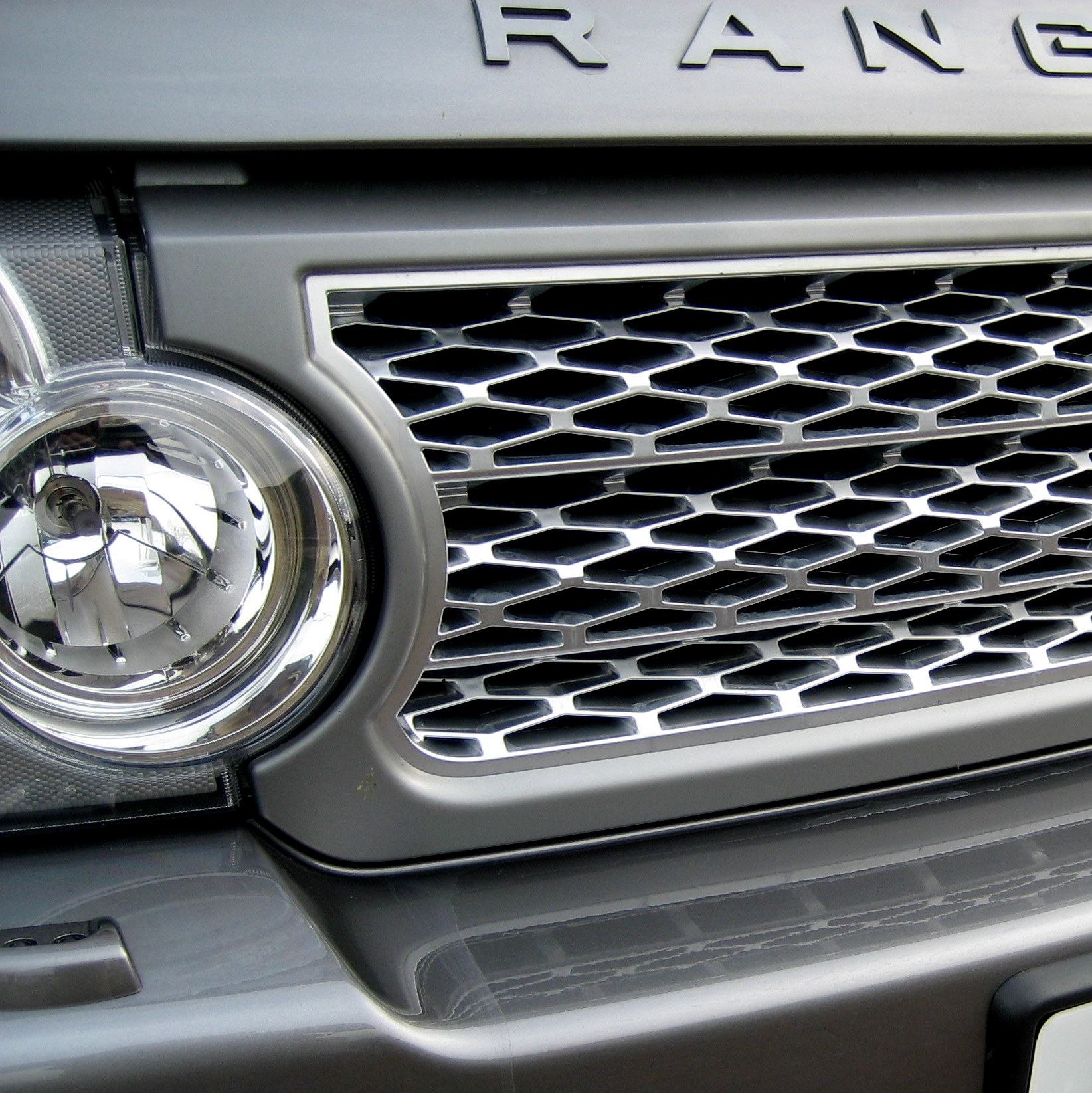 Supercharged Style Front Grille For Range Rover L322 Vogue
