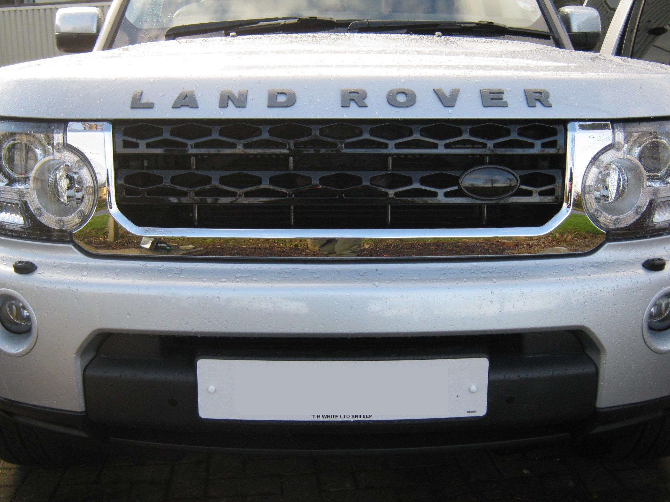 Chrome Black Front Grille Upgrade Kit For Land Rover