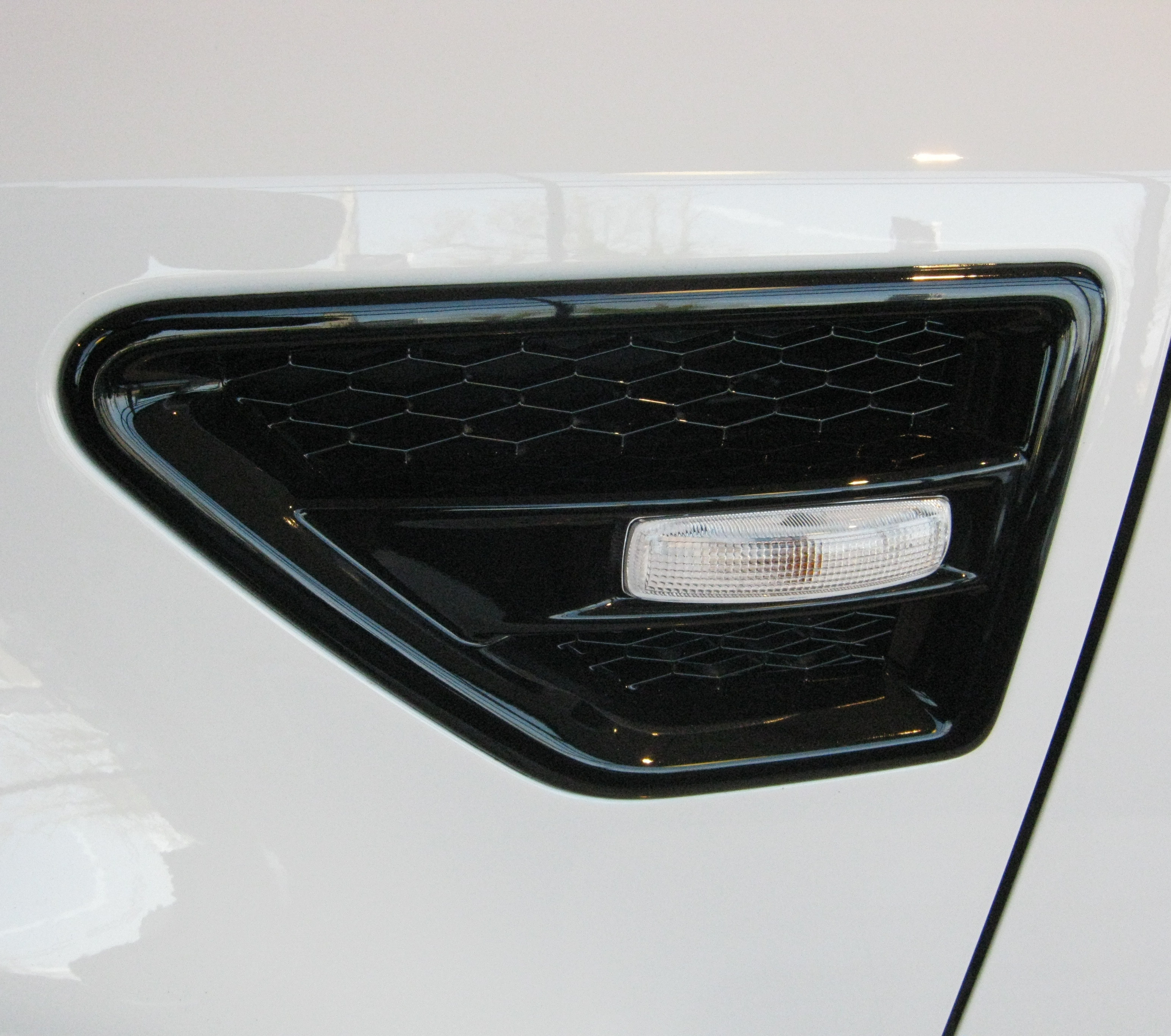Pair Of Gloss Black Side Wing Air Intake Grille Vent For