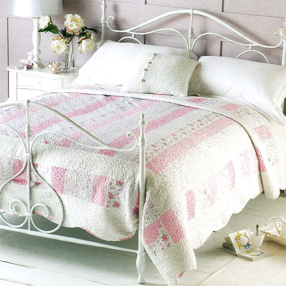 Floral rose luxury double embroidered bedding quilt