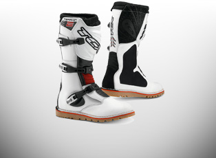 Trails Boots