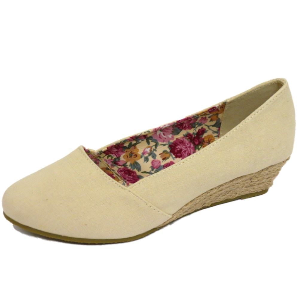 Find cream colored shoes from a vast selection of