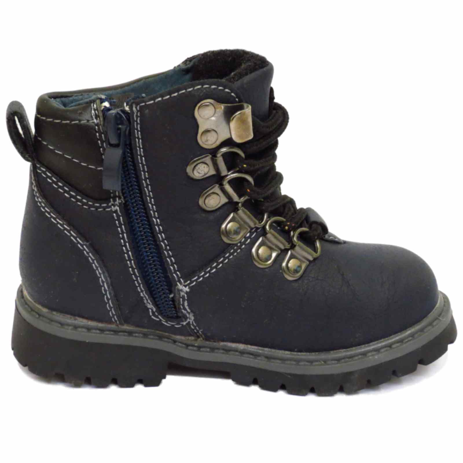 Shop Bogs kids' boots clearance sale! % waterproof, lightweight and slip-resistant.