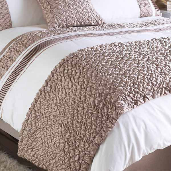 Riva Home Macy Pleated Pocket Matt Satin Bed Runner 70 X