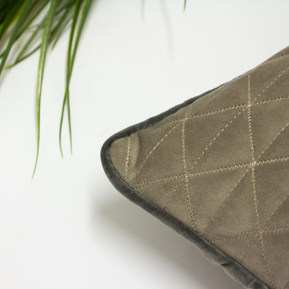 Riva Home Quartz Geometric Quilted Diamond Stitch Piped Cushion Cover