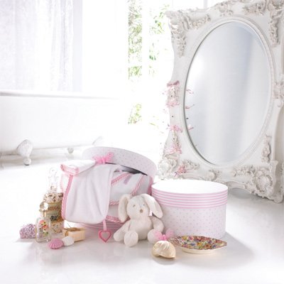 izziwotnot baby handtuch in sch ner hutschachtel. Black Bedroom Furniture Sets. Home Design Ideas