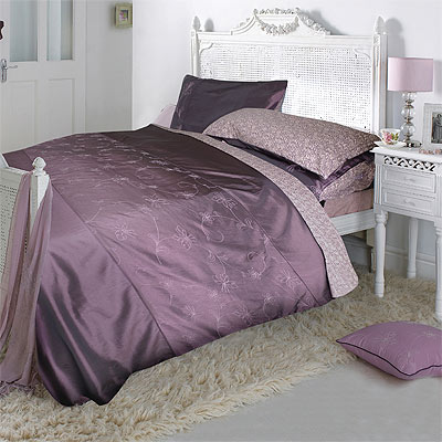 parure housse de couette 1 personne justyna aubergine 135. Black Bedroom Furniture Sets. Home Design Ideas
