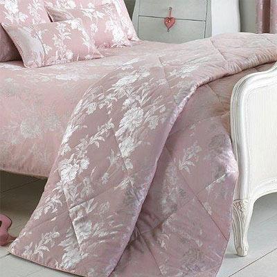 tagesdecke balmoral bettdecke rosa 260 x 240 cm ebay. Black Bedroom Furniture Sets. Home Design Ideas