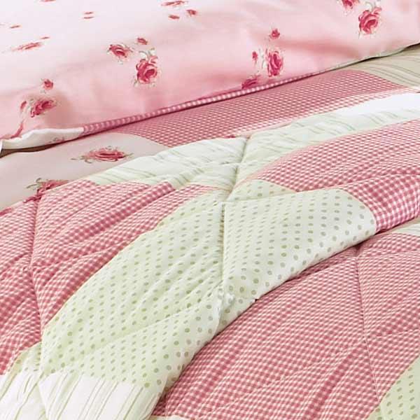 tagesdecke patchwork rosa jalousien 2017. Black Bedroom Furniture Sets. Home Design Ideas