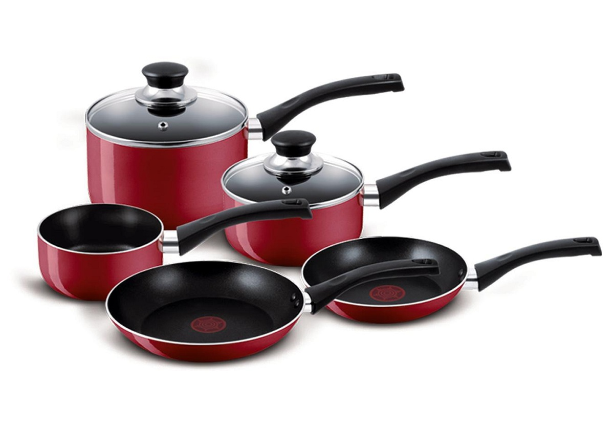 tefal bistro non stick 5 piece pan set 3 saucepans 2 frying pans red ebay. Black Bedroom Furniture Sets. Home Design Ideas