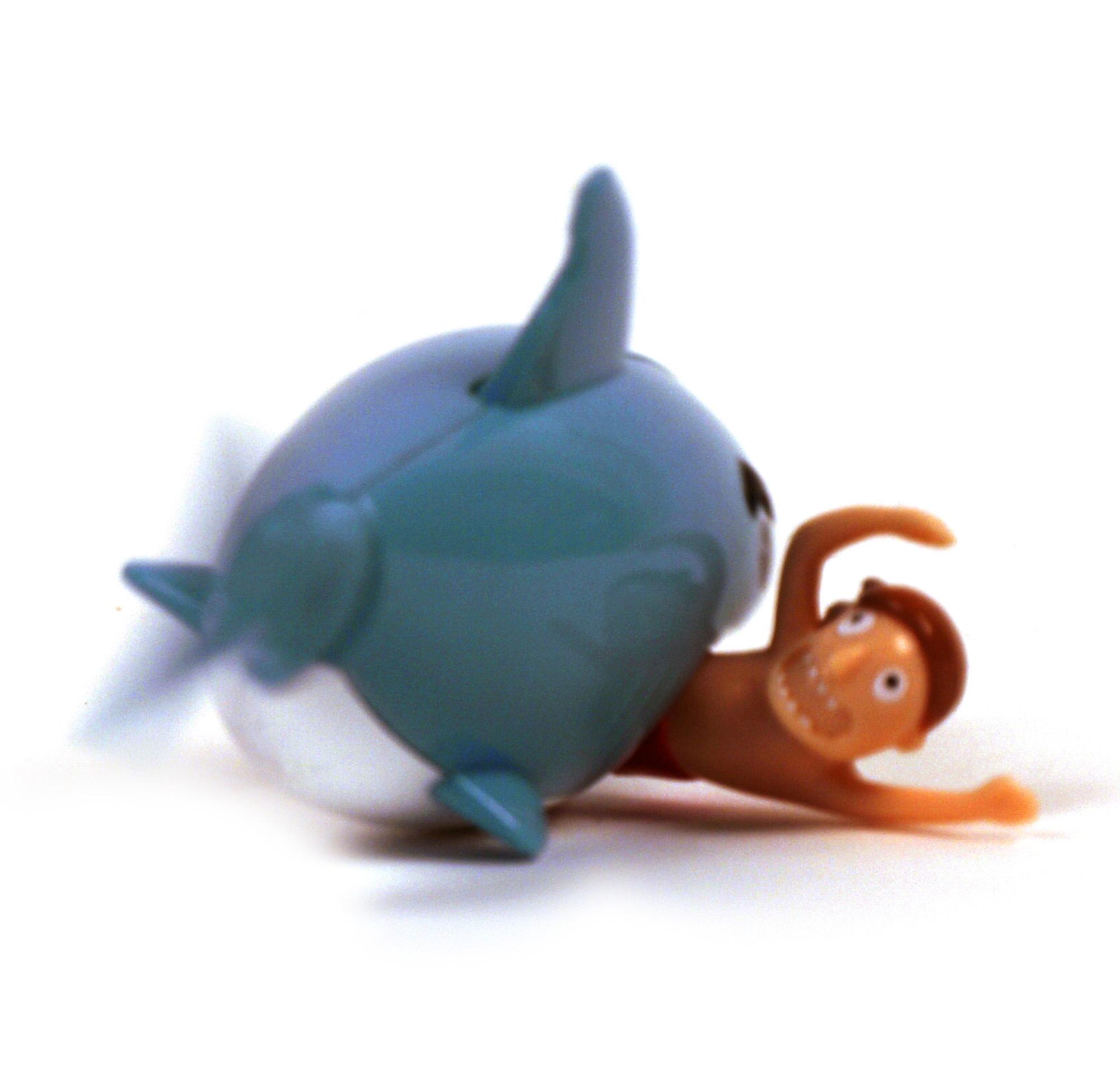 Shark Bath Toys : Hungry shark wind up bath toy pink cat shop
