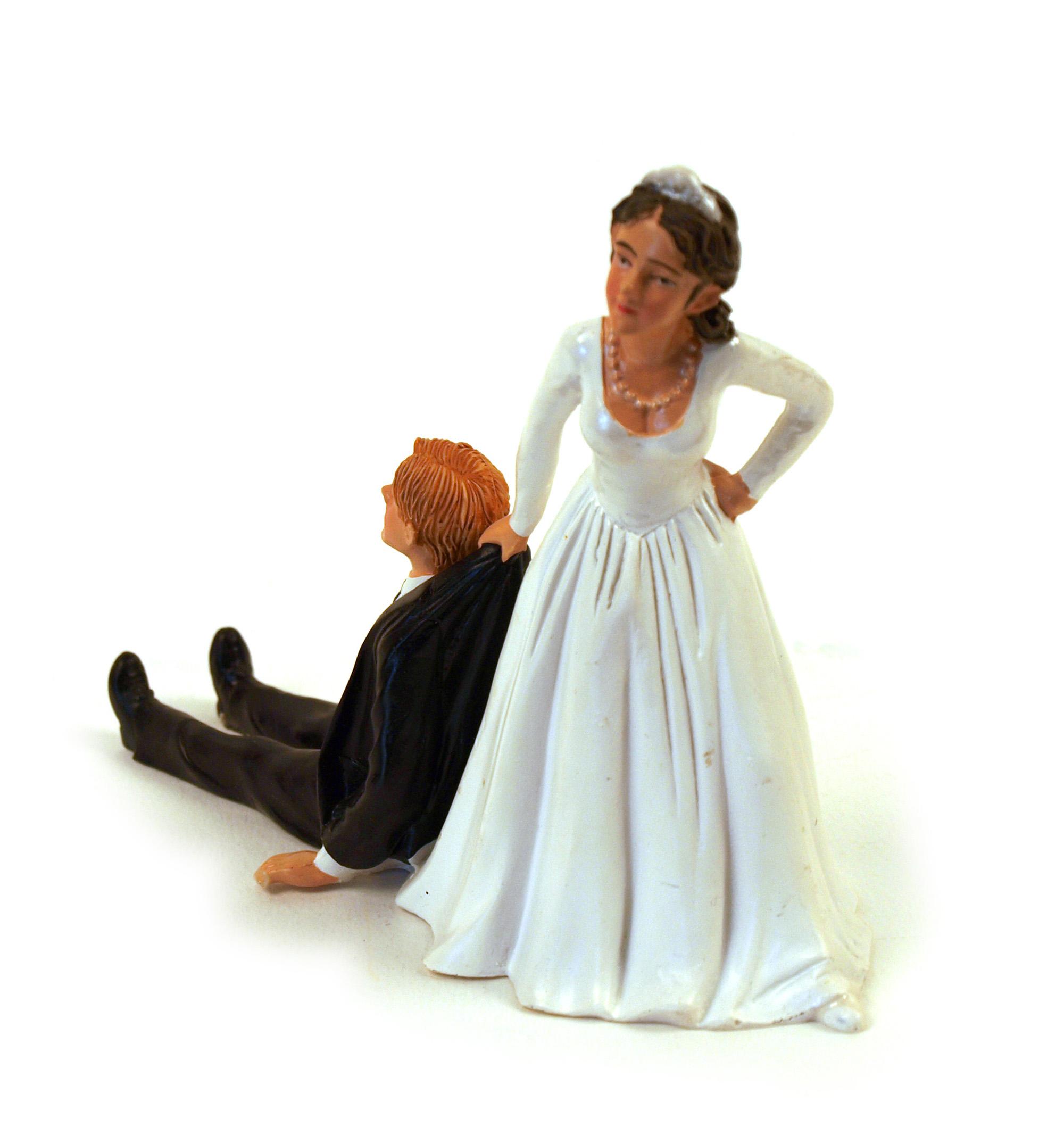 RELUCTANT GROOM CAKE TOPPER WEDDING BRIDE NEW FUNNY BRIDAL