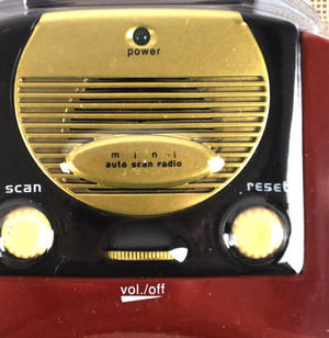 Retro Radio - Miniature FM Radio - Random Designs Thumbnail 6
