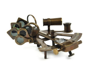 Antiqued Sextant with Wooden Presentation Box Thumbnail 4