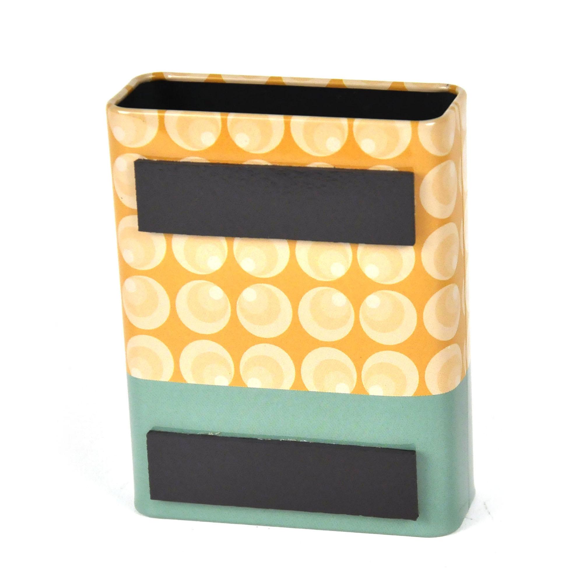 fridge magnet pen holder  i only have a kitchen because it came  - fridge magnet pen holder  i only have a kitchen because it came with thehouse