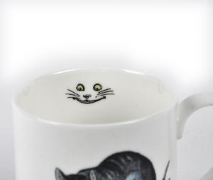 Alice In Wonderland Fine Porcelain Cheshire Cat Mug Thumbnail 3