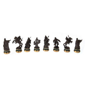 Lord of the Rings Chess Set - Two Tier Glass and Contoured Middle Earth Deluxe Set Thumbnail 4