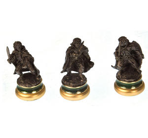 Lord of the Rings Chess Set - Two Tier Glass and Contoured Middle Earth Deluxe Set Thumbnail 6