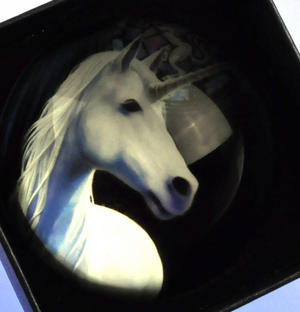 """Anne Stokes Paperweight - Enlightenment 8cm / 3"""" Thumbnail 3"""