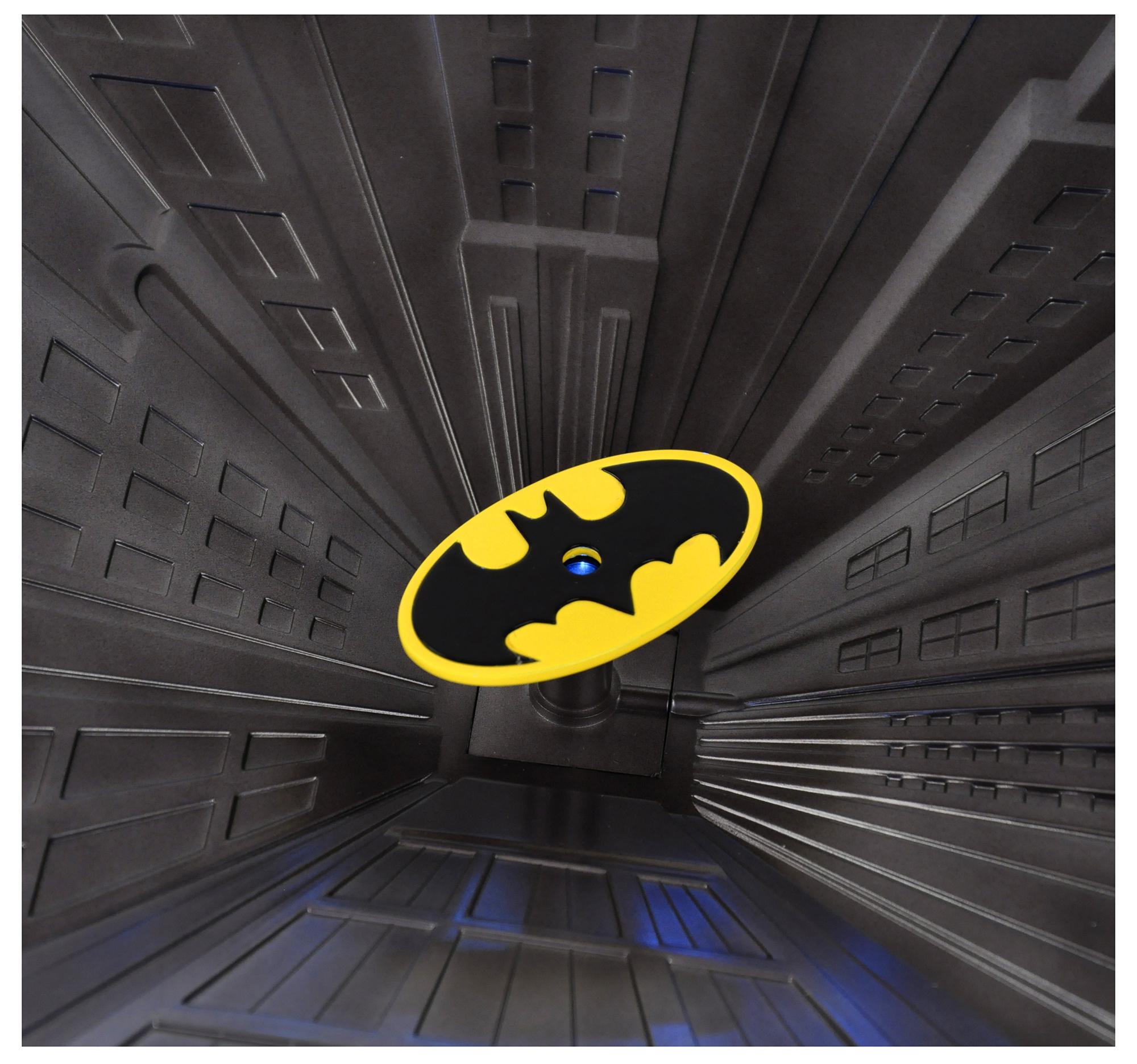 Special Collectors Edition Batman Pewter Chess Set Led Gotham Cityscape Bat Signal
