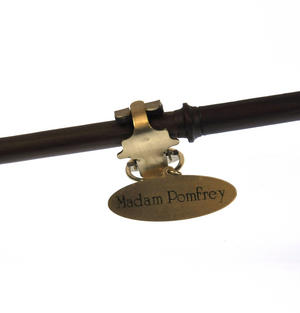 Harry Potter Replica Madame Pomfrey Wand Thumbnail 3