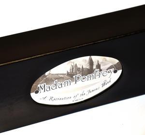 Harry Potter Replica Madame Pomfrey Wand Thumbnail 6
