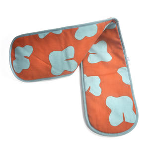 Wolfhound  Double Oven Gloves by Leslie Gerry Thumbnail 3