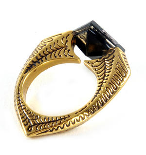 Harry Potter Replica Horcrux Ring in Display Case Thumbnail 4