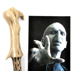 Lord Voldemort Pen Wand & Bookmark - Noble Collection Harry Potter Replica Thumbnail 2