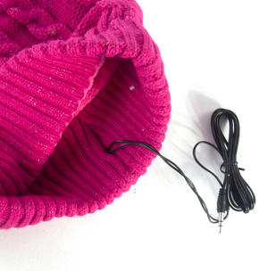 Headphone Bobble Hat Thumbnail 6