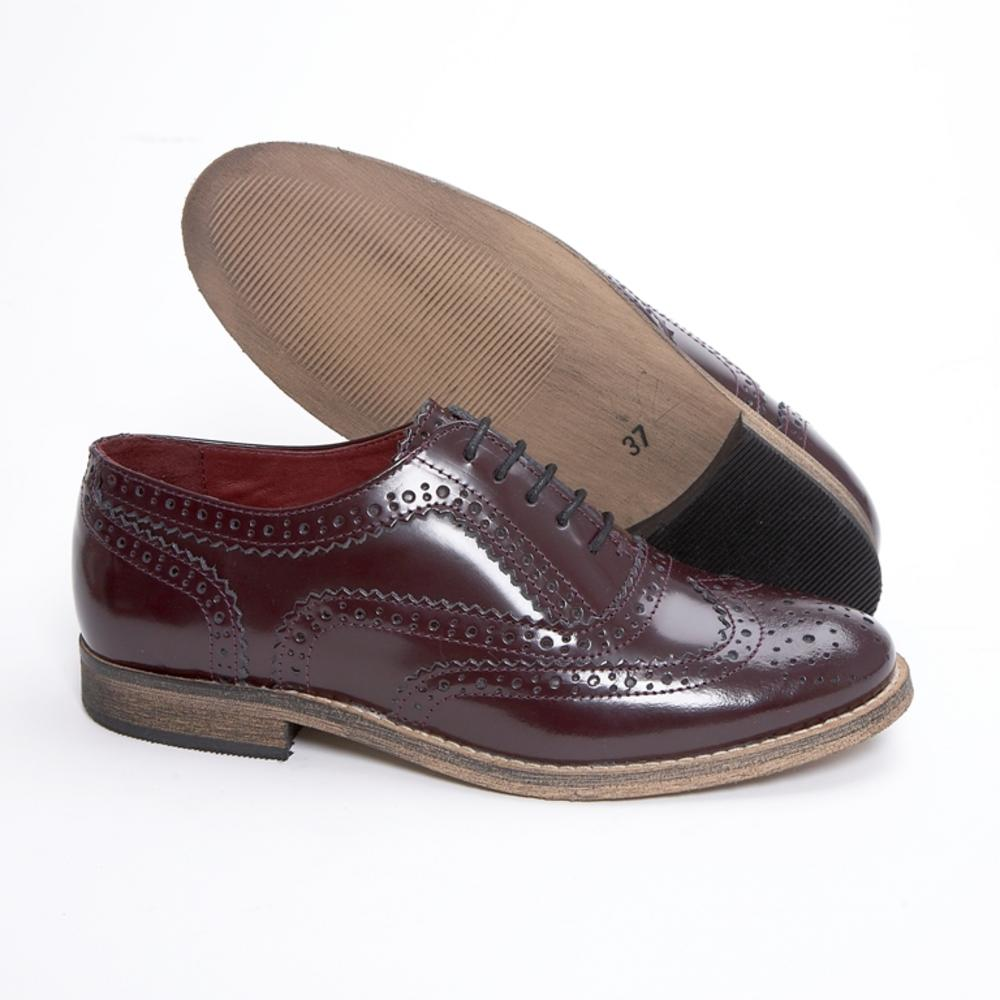 Discover Dune London's range of Ladies Brogues. A classic wardrobe staple updated in the latest colours and materials for the new season. Add the twist with a cheeky tassel or monk strap detail. Or go for a more casual look, with a brogue detail trainer. francis - blackStudded Lace Up Brogue£