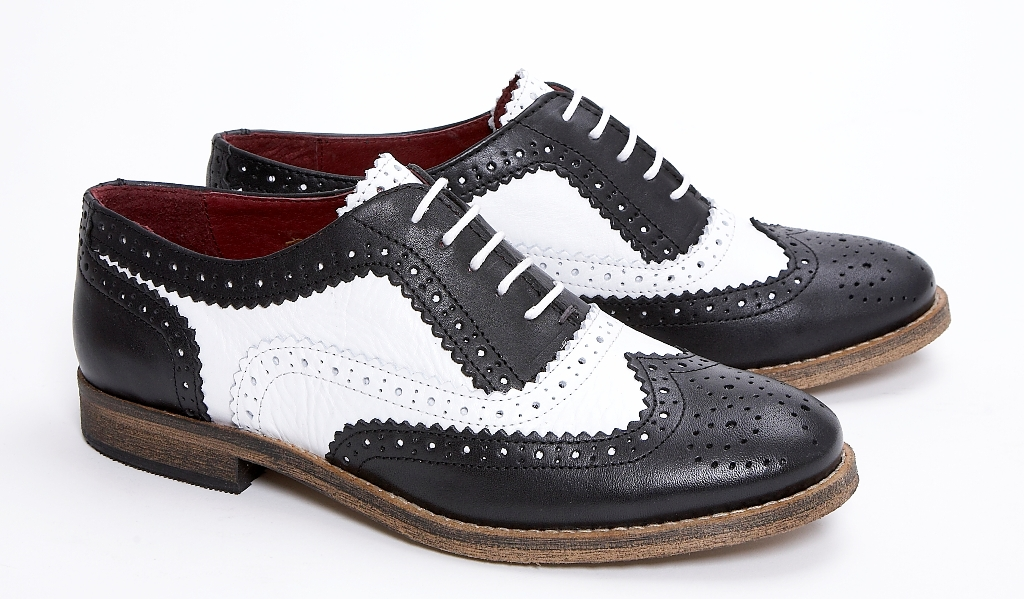 Delicious Junction Ladies Womens Leather Brogue Black / White