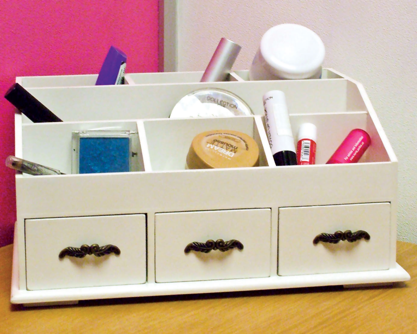 Wooden Desk Tidy / Caddy With Three Drawers And 7 Organiser . Full resolution‎  file, nominally Width 1386 Height 1111 pixels, file with #0F5E8B.