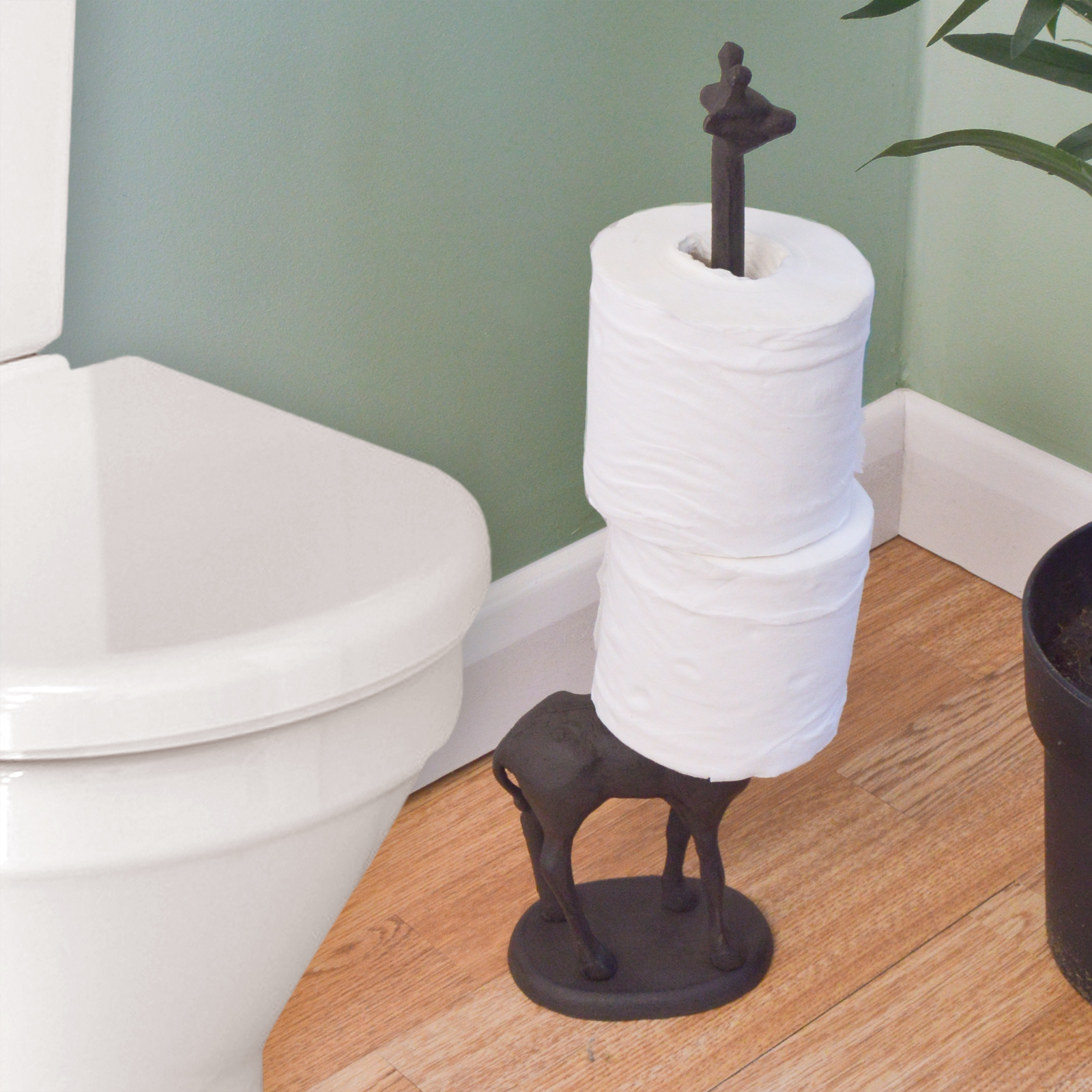 Metal giraffe toilet roll kitchen tissue free standing for Loo roll storage