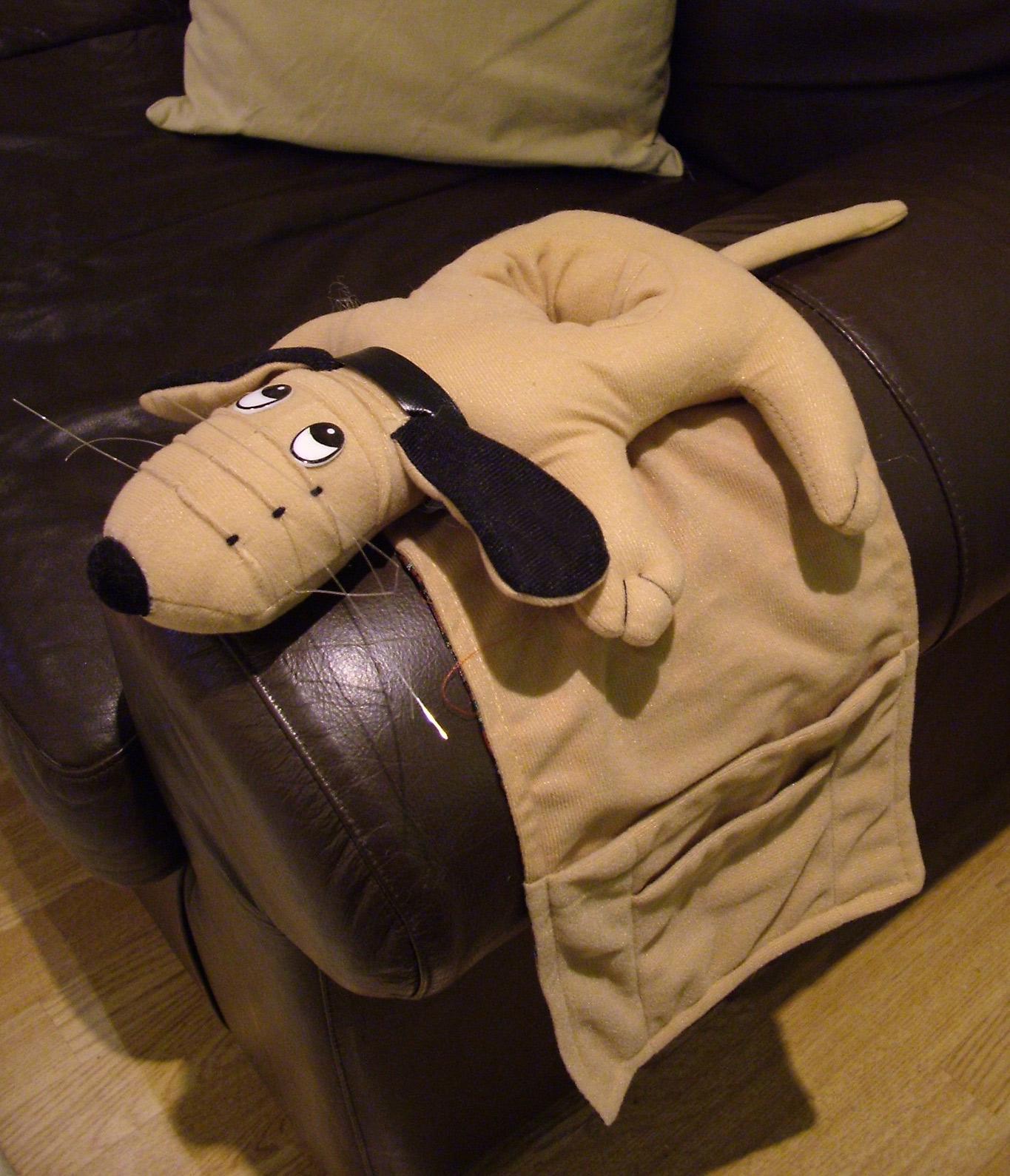 Dog Armchair Sofa Organiser Remote Control Drink Magazine