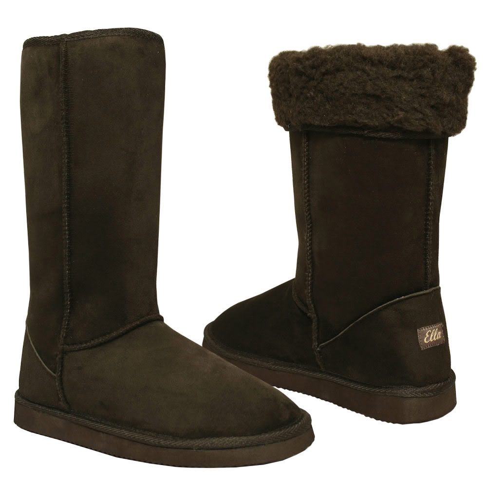 Discover the latest styles of women's flat boots and booties from your favorite brands at Famous Footwear! Find your fit today!