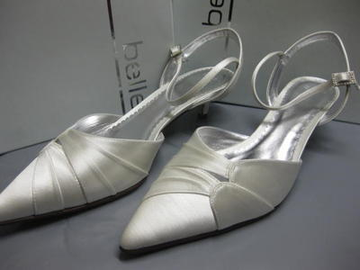 BELLE BY PARADOX BRIDAL SHOES WEDDING LAPIS IVORY 41 UK 8  BNIB HEEL OCCASION