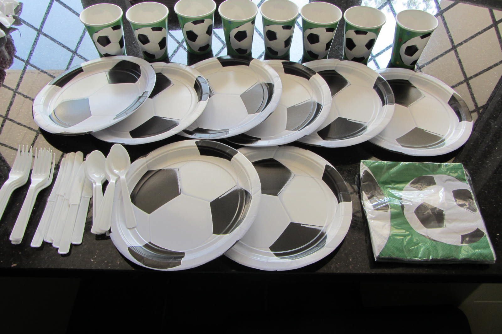 ... KIDS-PARTY-NAPKINS-PLATES-CUTLERY-CUPS-YOU-CHOOSE-SOCCER-FUN-BARGAINS