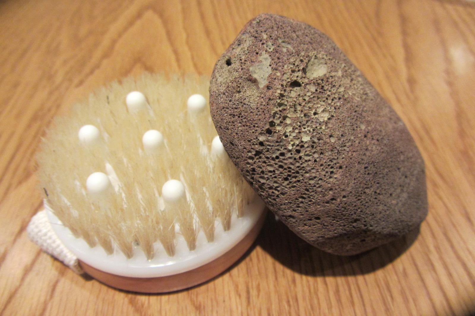 WOODEN BODY BRUSH WITH MASSAGE NODULES + VOLCANIC PUMICE ...